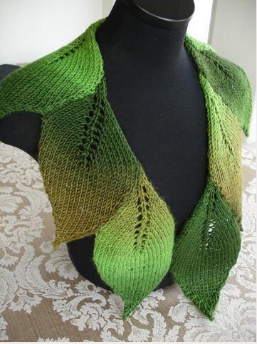 """Вязаный шарф """"из листьев"""""""