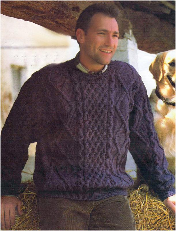 Вязаный мужской пуловер с узором из кос.