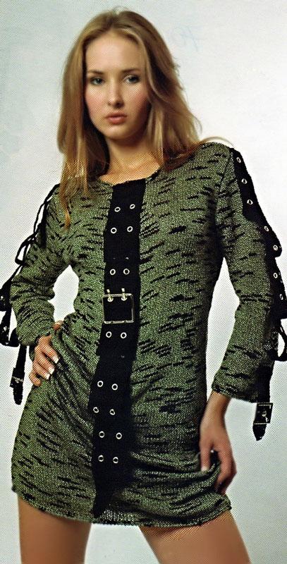 Вязаное платье с планкой.