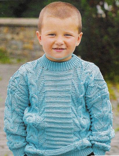 Вязаный детский пуловер.