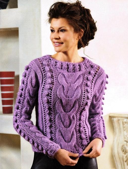 Пуловер с косами и жгутами.