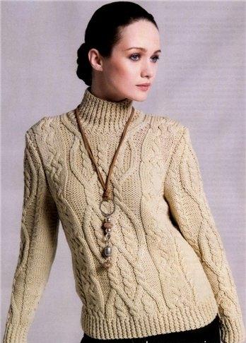 Женский узорчатый свитер.