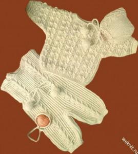 Комплект для грудничка вязаный спицами.