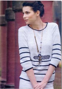 Пуловер с орнаментом спицами.