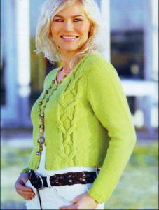 Жакет салатового цвета спицами.