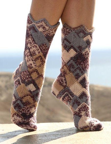 Вязаные носки в стиле пэчворк.