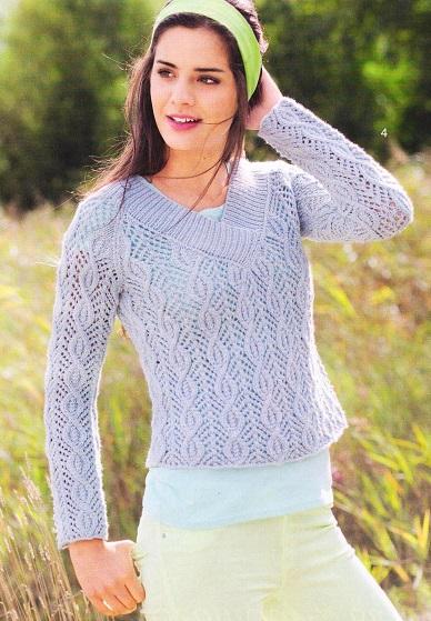 Короткий ажурный пуловер вязаный спицами.
