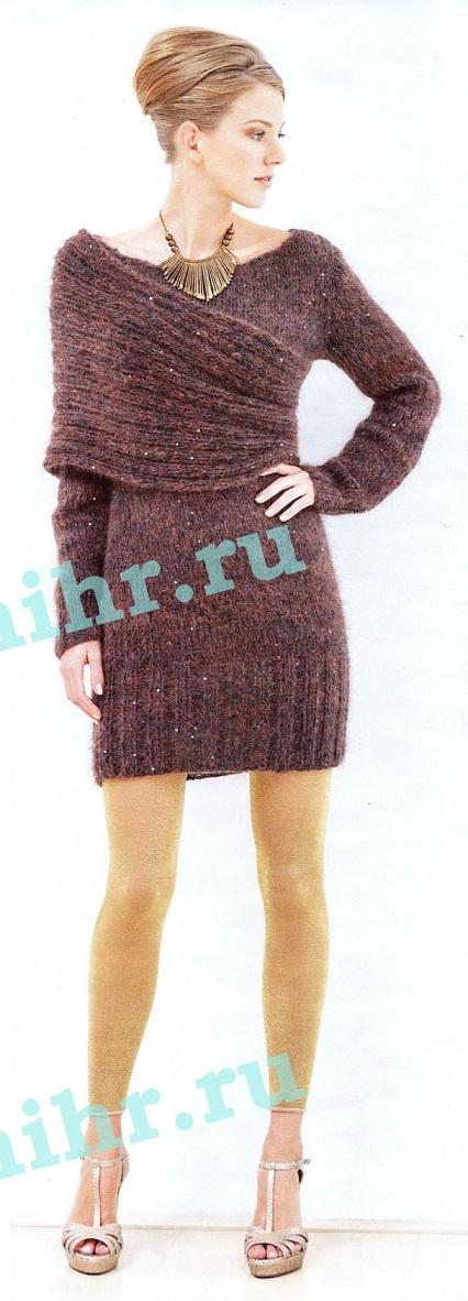 Платье с шарфом-петлёй вязаное спицами.