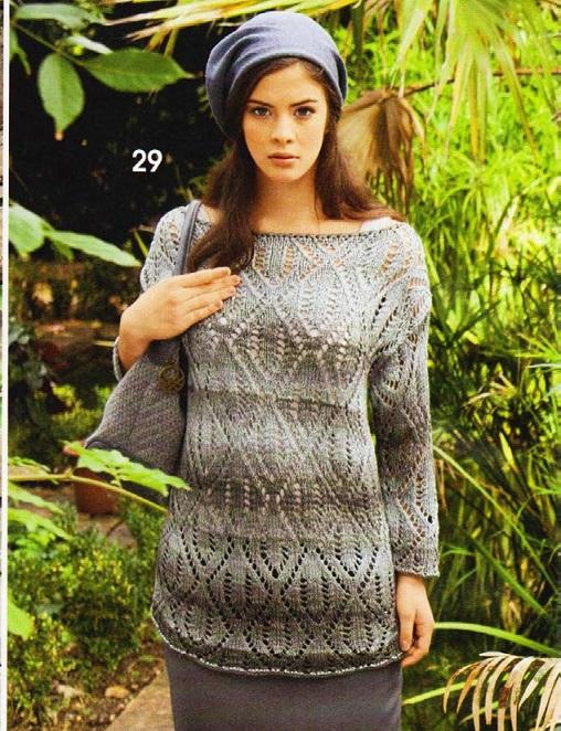 Пуловер с ажурными ромбами вязаный спицами.