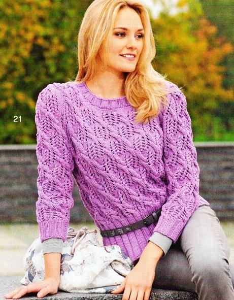 Пуловер с ажурным узором вязаный спицами.